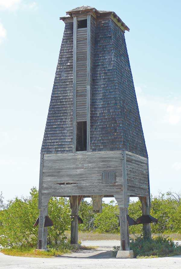 10-Sugarloaf-Key-bat-tower-from-internet-Wikipedia-I-photoshopped-this