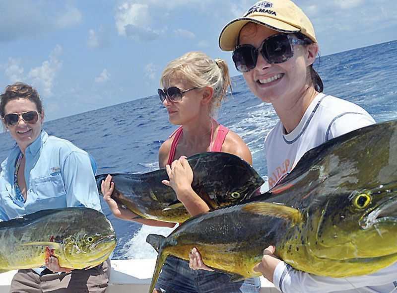girls-dorado-fishing-cancun