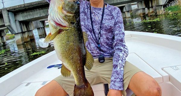 Capt. Johnny with a quality winter largemouth bass.