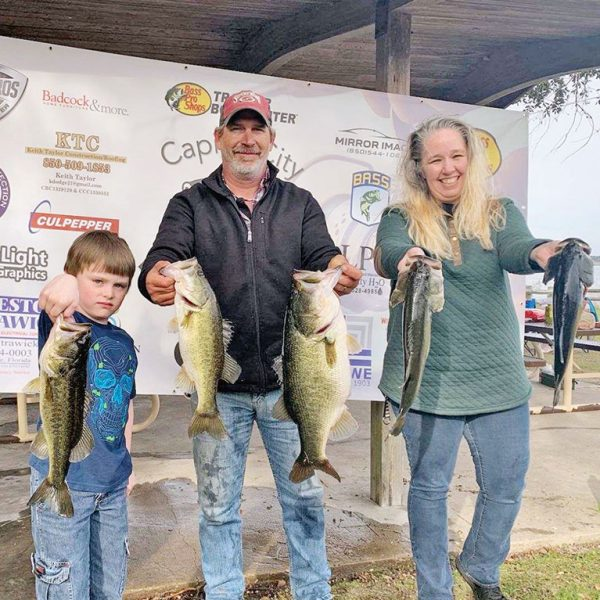Barron Cox of Tallahassee with a 9-pound Lake Jackson tournament bass.